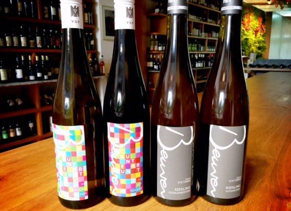 vier Flaschen Wein des Weingut Beurer