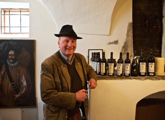 Unsere Winzer - Schlossweingut Stachlburg