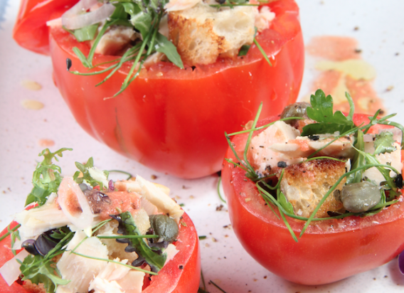 Gefüllte Tomaten à la Niçoise trifft auf Pfälzer Rosé Kesselring